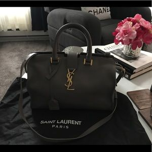 Yves Saint Laurent cabas bag